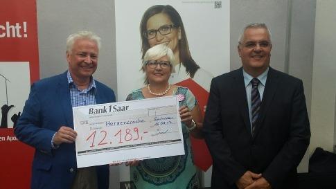 """Saarländische Apotheken spenden an die Kinderhilfs-aktion """"Herzenssache – hilft Kindern"""" über 12.000,– Euro"""